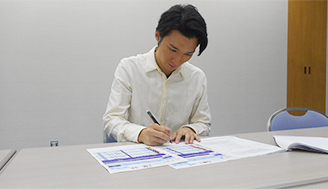 (10月1日放送分)ボートレースワールドでロケに行ってくれた竹内寿さん、穴狙いに挑戦!